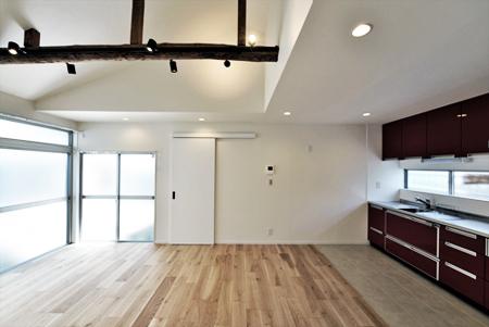 木造平屋を住み継ぐ。経年のぬくもりを生かした戸建てエコリノベ
