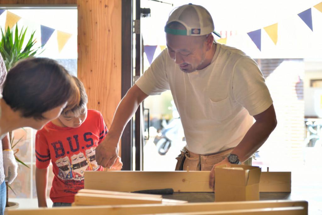 イベントレポート 「DIY体験!大工さんとテーブルづくりワークショップ」写真01