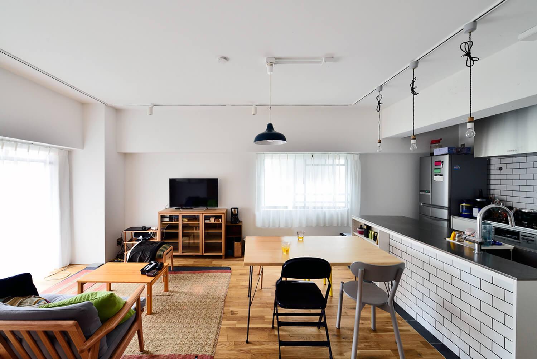 """リノベーション施工事例39:オーダー家具の合う住まい。憧れのシングルライフを満喫する""""男子リノベ"""""""