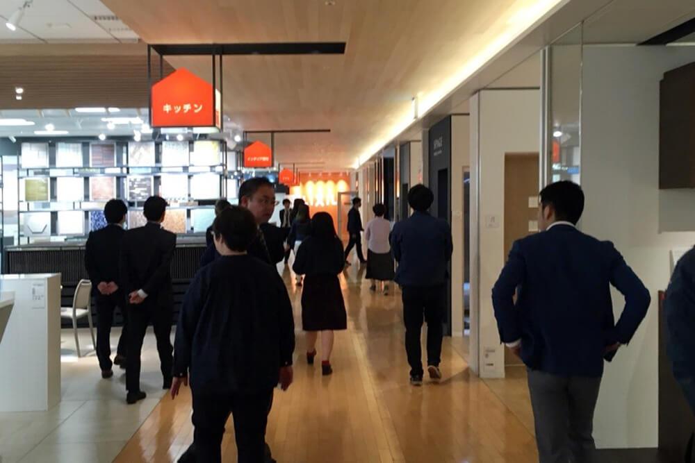 イベントレポート|建築事業部でリクシルショールームへ!