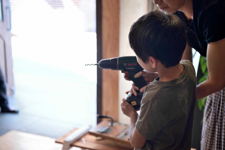 イベントレポート「DIY体験!木の時計づくりワークショップ」で手作りをインテリアに写真8