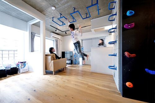 リフォーム・リノベーション施工事例022:ボルダリング×コンクリートスラブのアスレチック空間