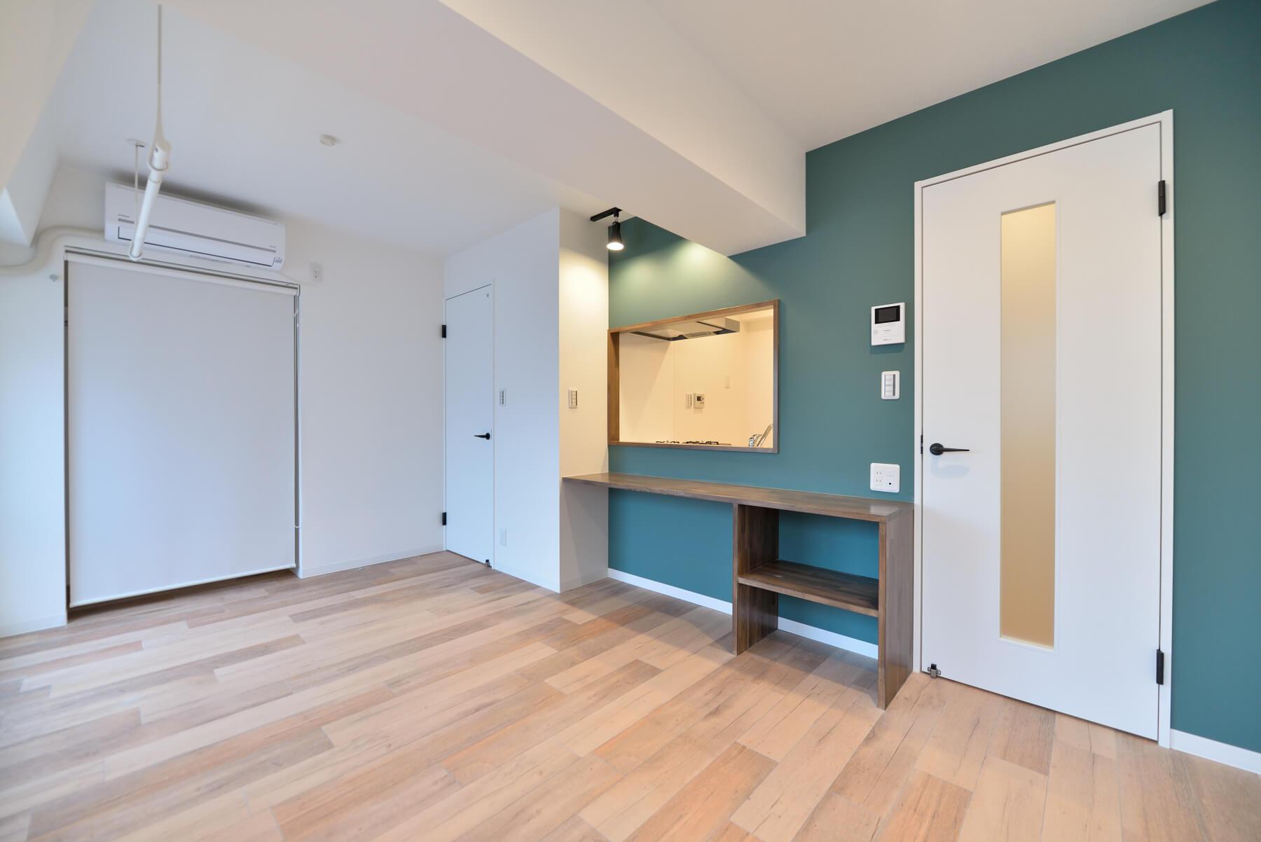 アクセントクロスでキッチンやトイレをおしゃれ空間に 選び方 使い方のポイントとは Webマガジン リノベーションのcuestudio