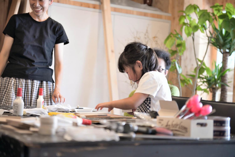 イベントレポート「DIY体験!木の時計づくりワークショップ」で手作りをインテリアに写真5