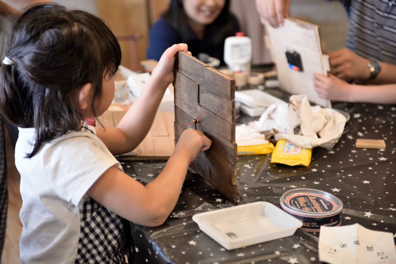 イベントレポート「DIY体験!木の時計づくりワークショップ」で手作りをインテリアに写真10