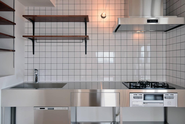 東京・世田谷区マンションリノベーション現場レポート~ステンレスフレームキッチンが納まるまで~