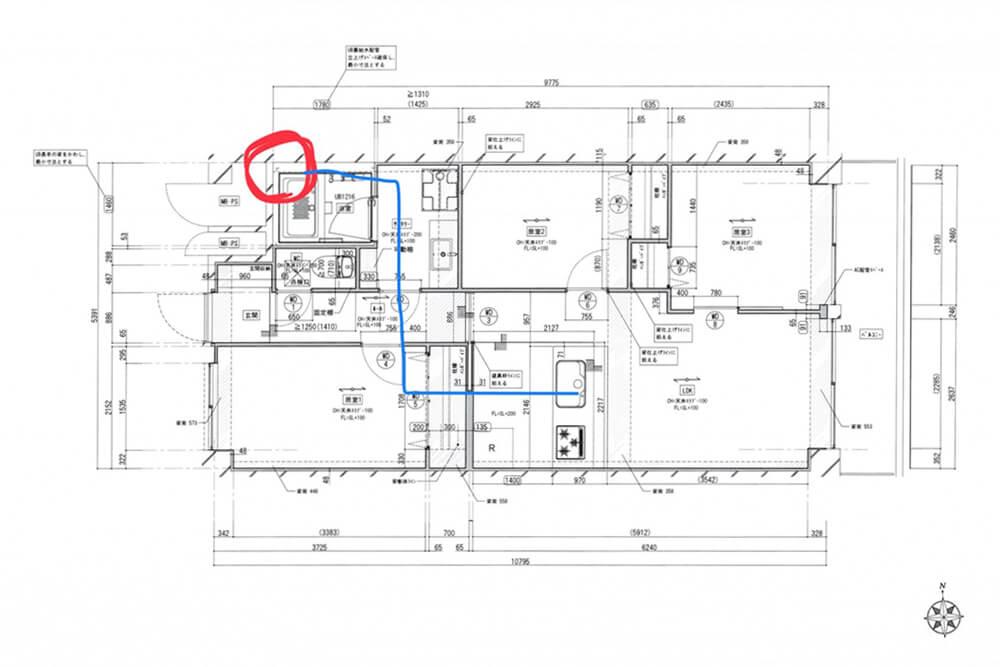 Cuestudioがつくるリノベーション済みマンション物件の工事が始まりました ②現場レポ:配線・配管~床の下地組写真:4+1500