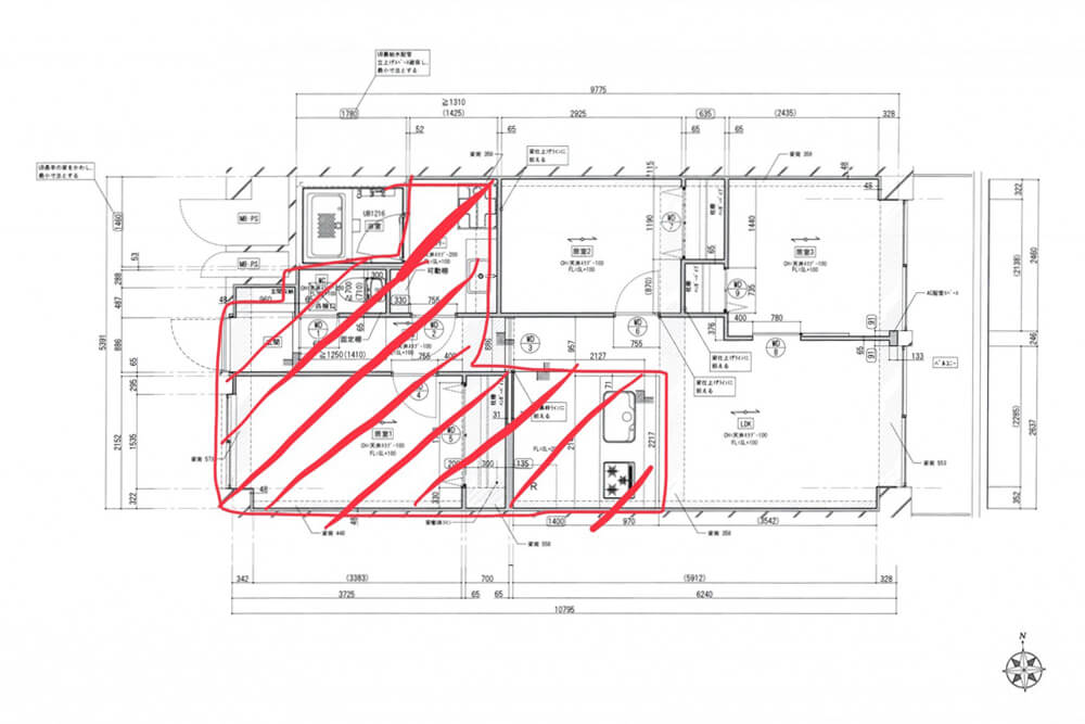 Cuestudioがつくるリノベーション済みマンション物件の工事が始まりました ②現場レポ:配線・配管~床の下地組写真:5+1500