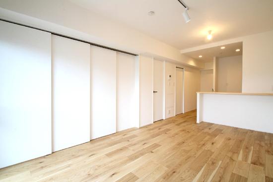 白×グレーで清潔感ある空間へ