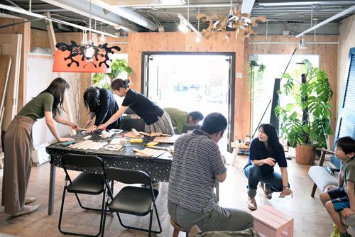 イベントレポート「DIY体験!木の時計づくりワークショップ」でお部屋のインテリアに手作りを