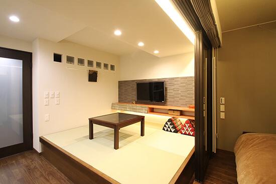 寝室や客間に収納力抜群のくつろぎ空間「小上がり」を。